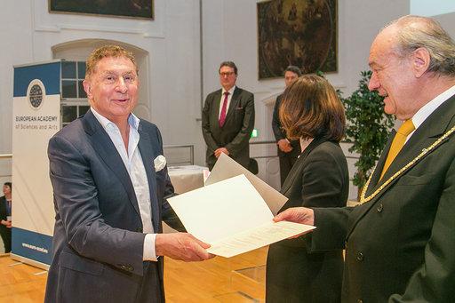 Professor Andrew Kakabadse joins EASA to address global challenges