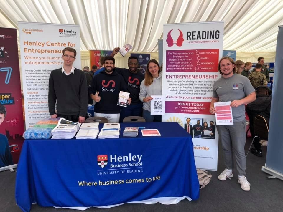 Henley Centre for Entrepreneurship and Reading Entrepreneurs Connect with Over 200 Students at Freshers' Fayre 2019