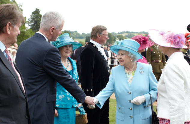 Henley Business School welcomes Her Majesty the Queen for three-county Diamond Jubilee Garden Party