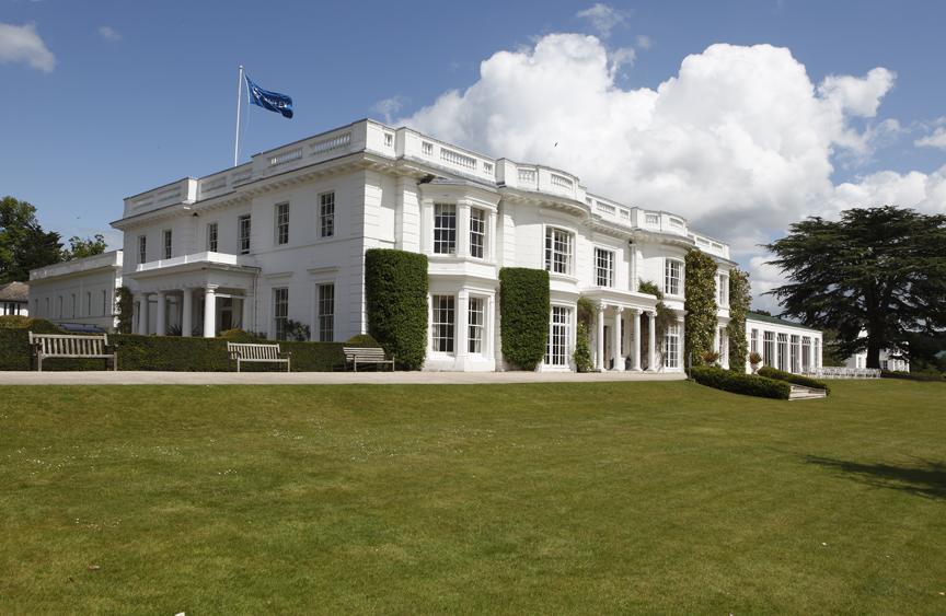 Henley Centre for Engaging Leadership: Leadership in Contrast. Black tie dinner debate