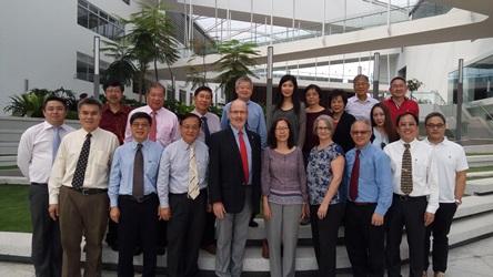 Singapore Alumni visit Malaysia Campus