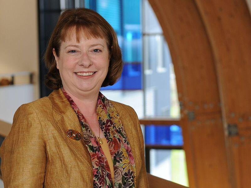 Dr Christine van Winkelen