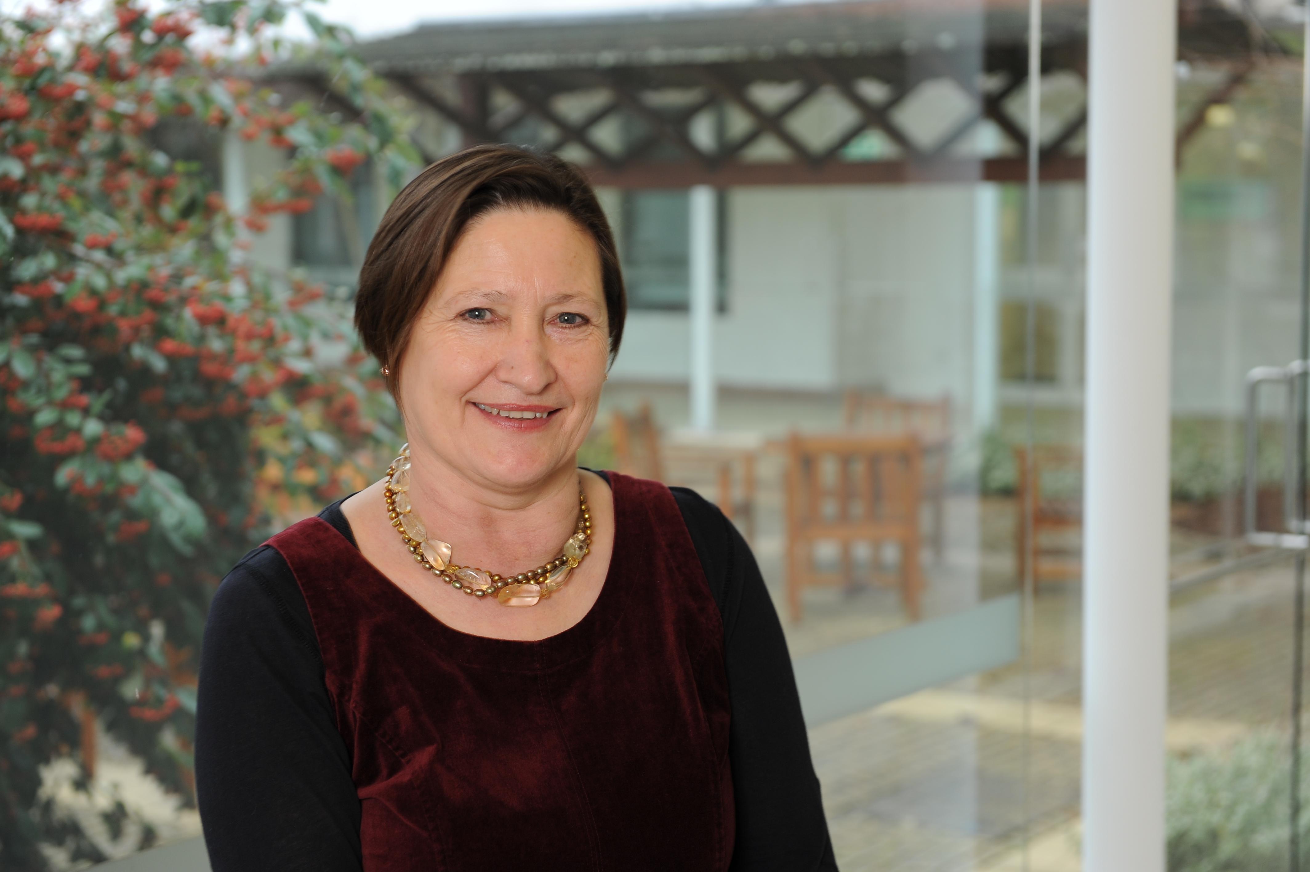 Dr Evelyn Fenton