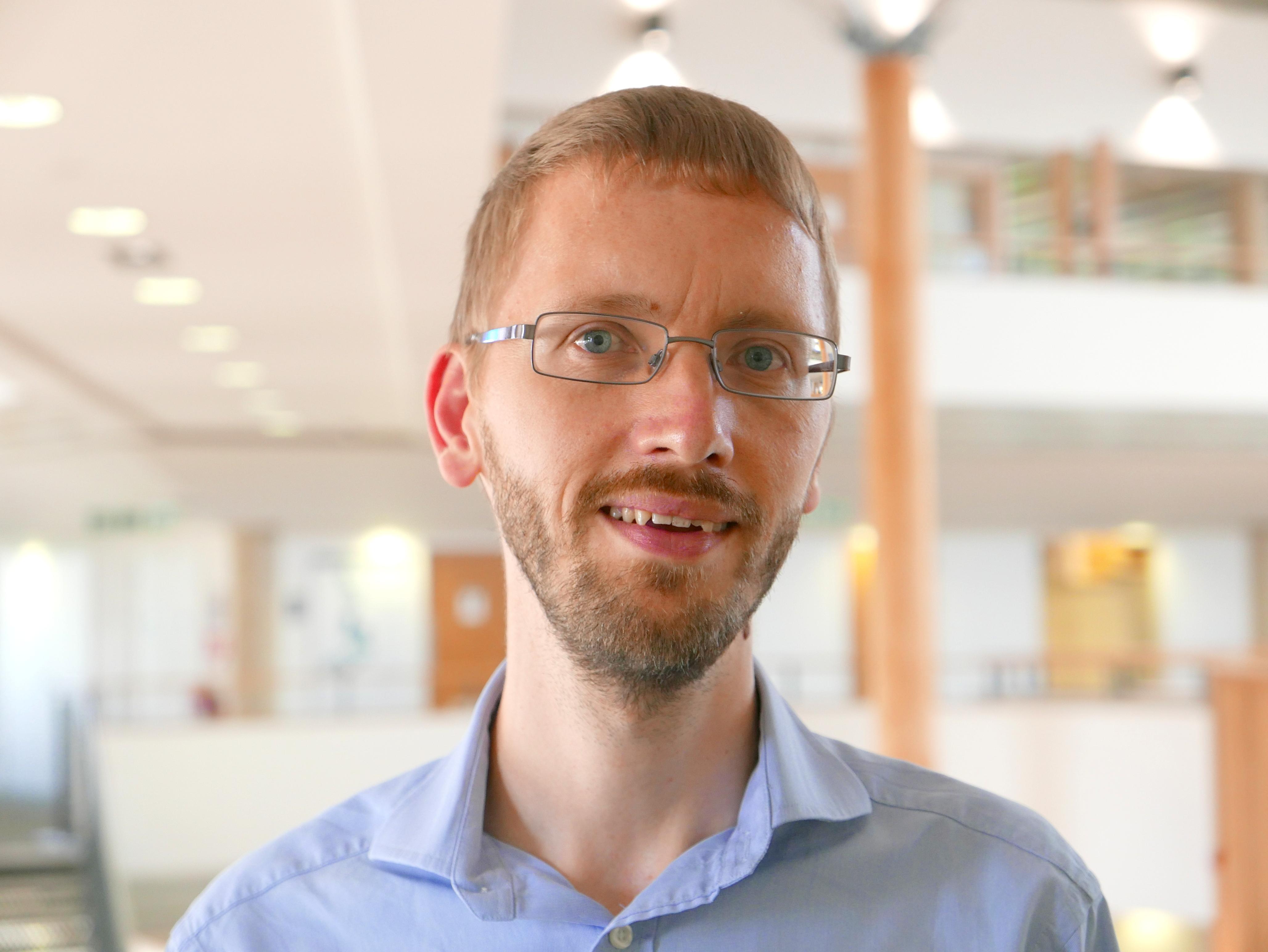 Dr Steven Devaney