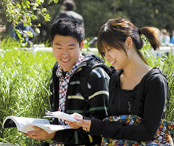 Overseas students say study at Reading