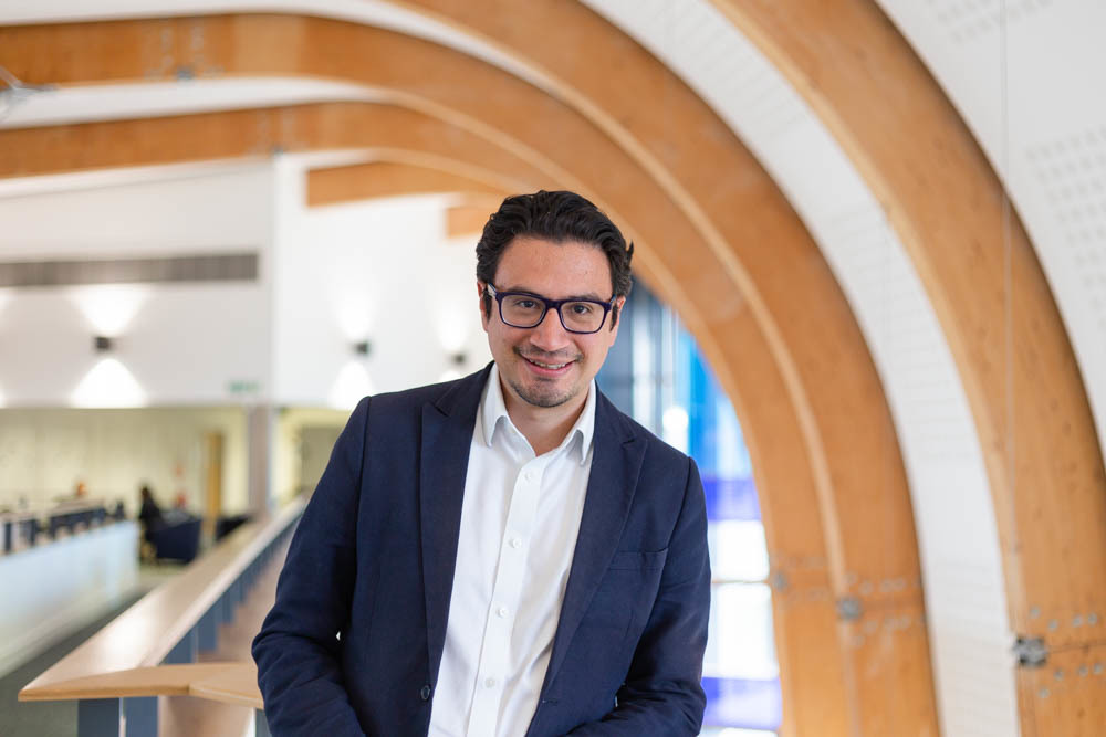 Dr Rodrigo Perez-Vega