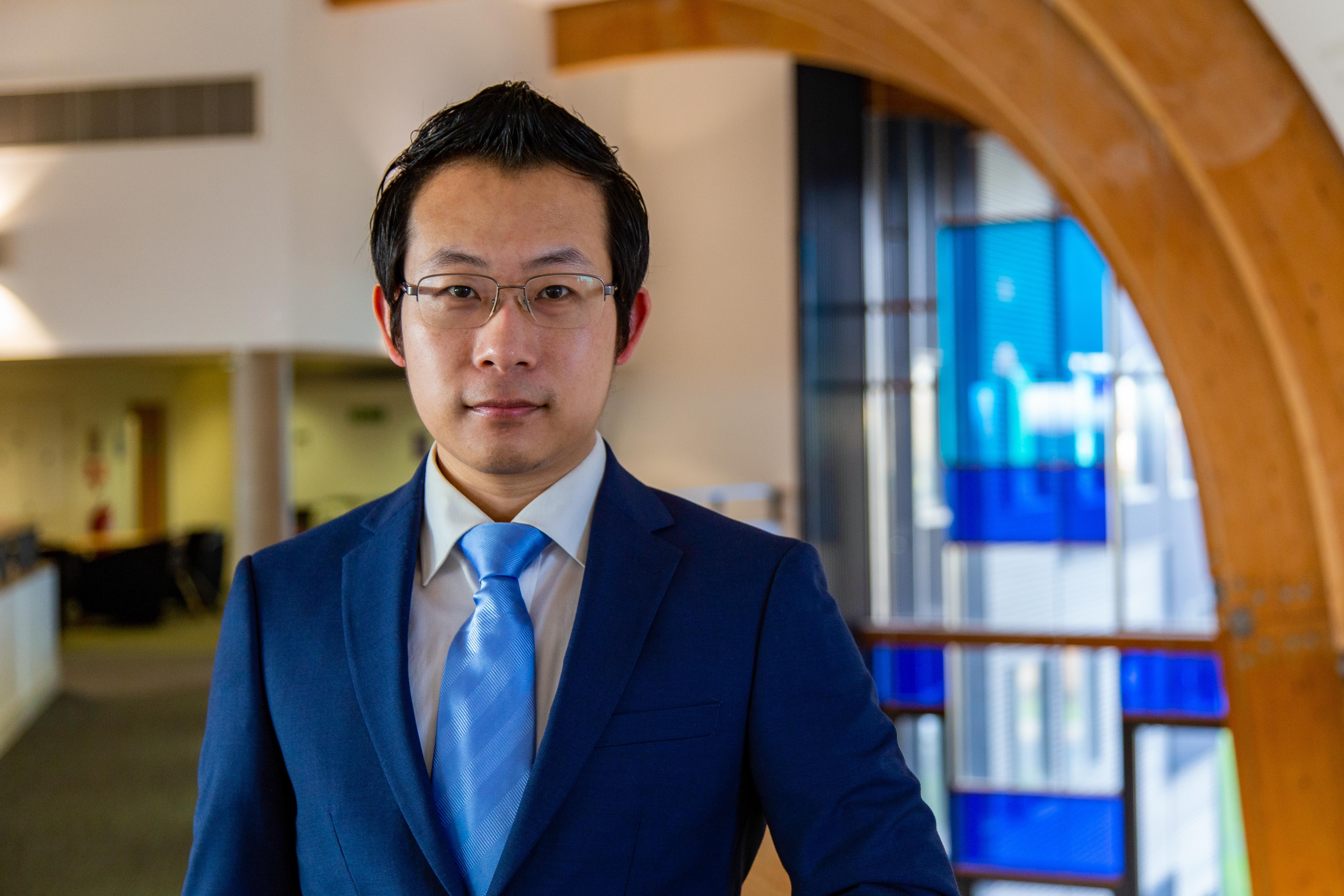 Dr Shengfeng Li