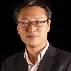 Professor Yipeng Liu leads webinar on COVID-19's impact on Asian businesses and management
