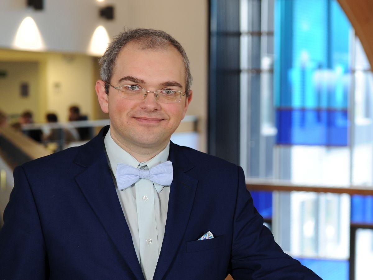 Dr Maksim Belitski
