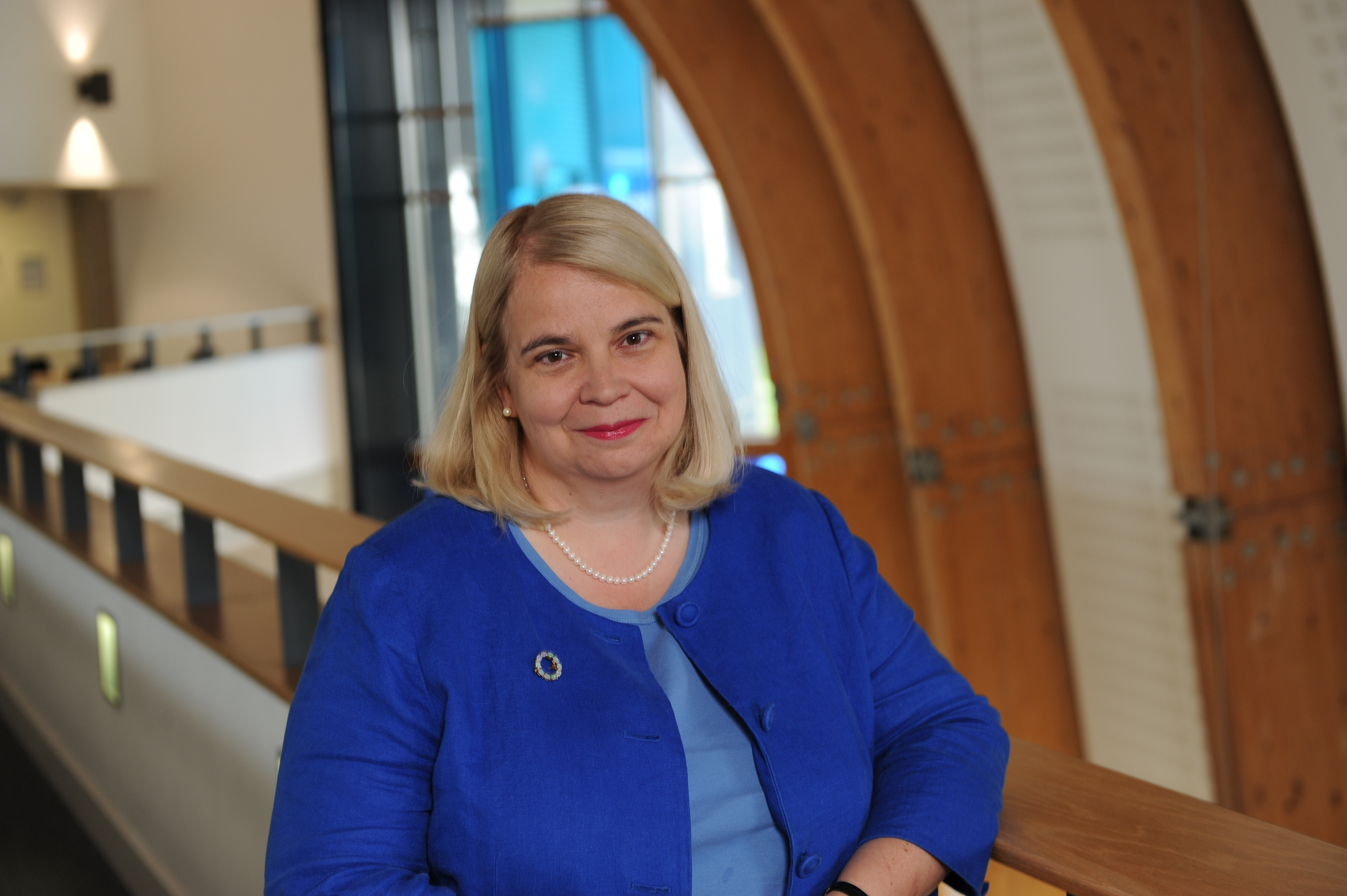 Ms Rhianydd Dow